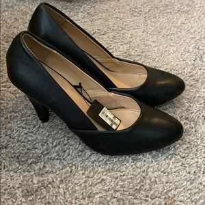 With tags! Forever 21 black work heal slip on